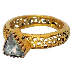 Antique Looking This Triangle Rosecut Diamond Ring with Designer 14K Gold Shank
