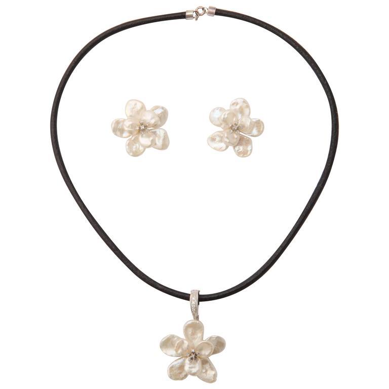 Cornflake Pearl Pendant and Earring Set