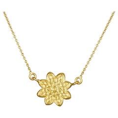 18 Karat Gold Camellia Pendant Short Necklace