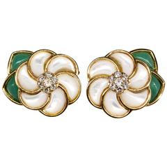 Van Cleef & Arpels Mother of Pearl Chrysoprase Diamond Gold Flower Earrings