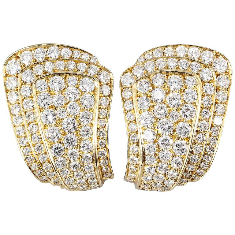 Van Cleef & Arpels Diamond Gold Earrings For Sale