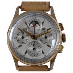 Universal Geneve Yellow Gold Tri-Compax Chronograph Wristwatch