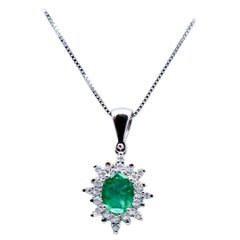 Emerald, Diamonds, 18 Karat White Gold Pendant Necklace