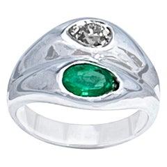 1 Carat Pear Cut Emerald and 0.8ct Diamond Ring 14 Karat White Gold