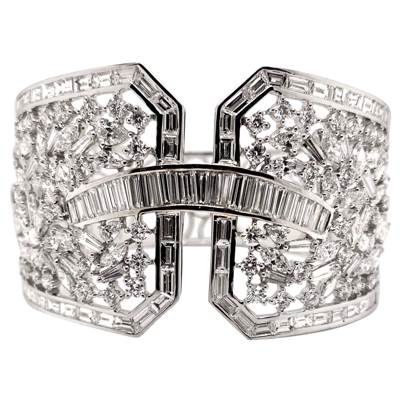 Stunning Diamond Cuff Bangle Set in 18k White Gold
