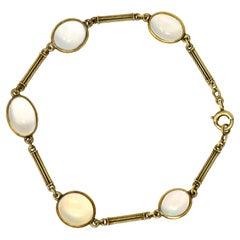 905 Art Nouveau Jelly Opal 14 Karat Gold Link Bracelet