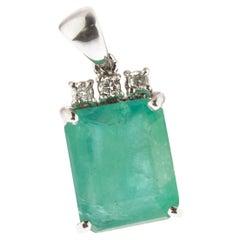 Natural Emerald Diamonds 18 Karat Gold Handmade Italy Pendant Handmade Necklace