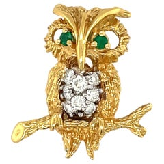 18Kt Yellow Gold Owl Brooch with Diamond 0.14Ct. & Emerald 0.14Ct.