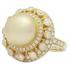 18 Karat Gold, Golden South Sea Pearl & Diamond Dress Ring