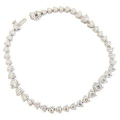 Graduated Diamond Tennis Bracelet 2.38 Carats 14 Karat Gold