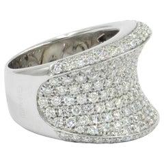 18 Karat White Gold White Diamonds Pavè Saddle Garavelli Ring