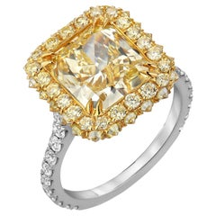 Fancy Light Yellow Diamond Ring 3.78 Carat Radiant Cut GIA Certified Canary