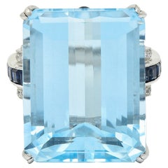 1950's Mid-Century 18.00 Carats Aquamarine Sapphire Diamond 18 Karat Gold Ring