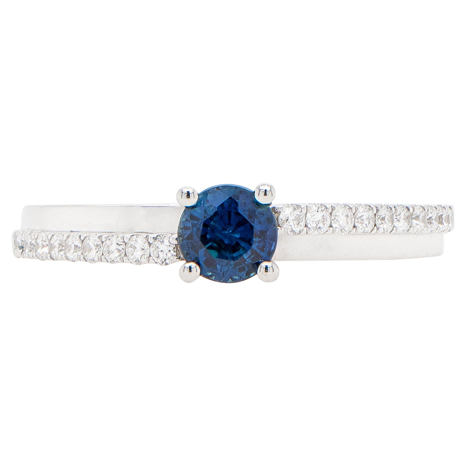 Round Blue Sapphire Solitaire Ring 18K White Gold and Diamonds