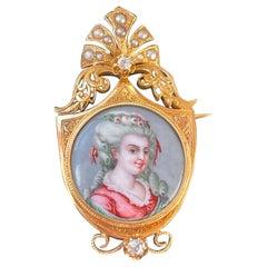 French Miniature Portrait Brooch in Gold  eighteen Century '1800s'