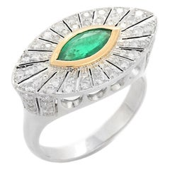 18K Cocktail Ring in White Gold, Diamonds and Emerald