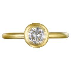Faye Kim 18k Gold Round Brilliant Cut Diamond Ring