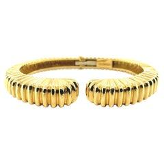 18K Yellow Gold Hinged Bangle Bracelet