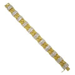 Graff 18 Karat Yellow Gold 19.40ct Diamond Bracelet