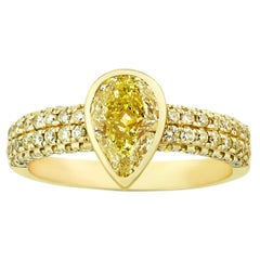 Yellow Diamond Ring, 1.02 Carats