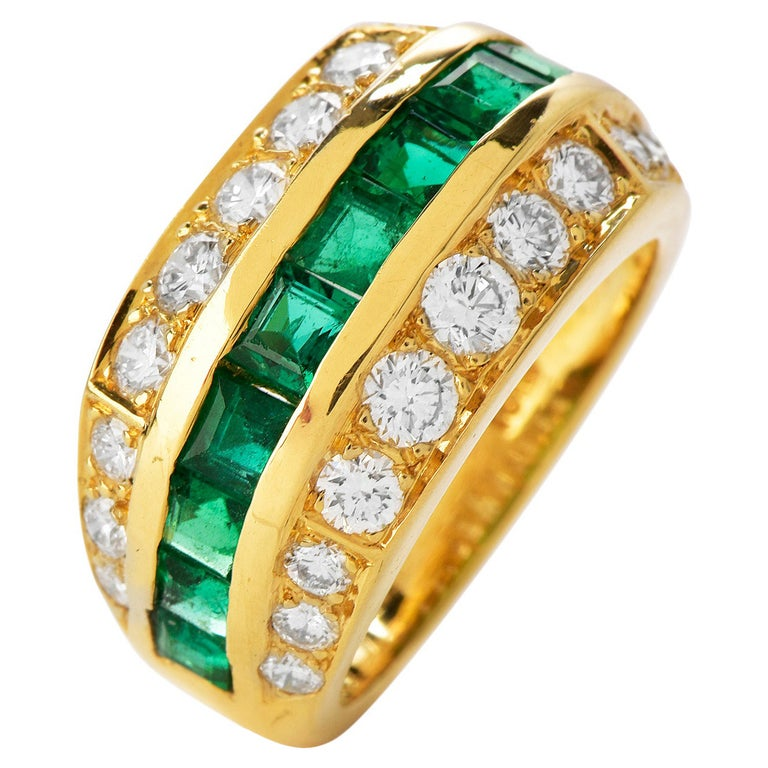 Tiffany & Co 1980's Diamond Emerald 18K Gold Ring For Sale