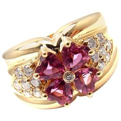Van Cleef & Arpels Pink Sapphire Diamond Gold Flower Ring