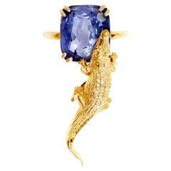 18 Karat Yellow Gold Contemporary Ring with 6.96 Cts Ceylon Vivid Blue Sapphire