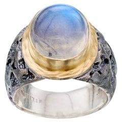 Steven Battelle 10 Carats Rainbow Moonstone Oxidized Silver 18K Gold Ring