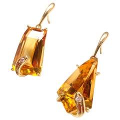 18 Karats Yellow Gold Dangle Citrine 0.04 Karat Brown Diamonds Unique Piece