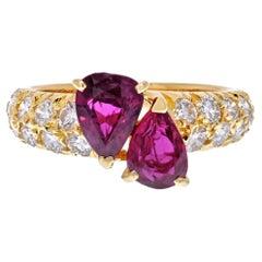 Van Cleef & Arpels 18K Yellow Gold Toi Et Moi Ruby Diamond Petite Ring