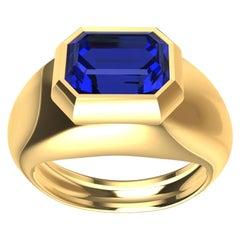 18 Karat Yellow Gold 2.54 Carat Blue Sapphire Sculpture Ring
