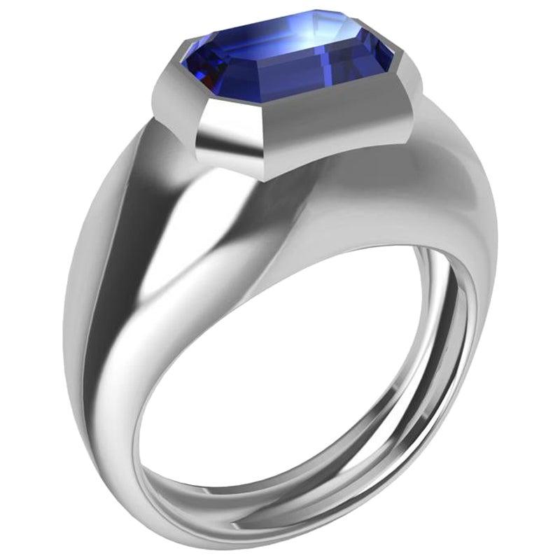 18 Karat White Gold 2.54 Carat Blue Sapphire Sculpture Ring