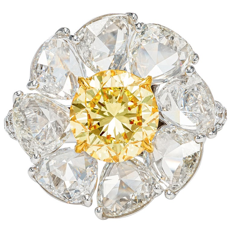 GIA Certified 7.39 Carat Daisy Fancy Yellow and White Diamond Ring in 18k Gold For Sale