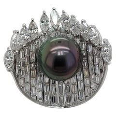 White Gold Ring with Baguette and Marquise Cut Diamonds & Tahiti Pearl
