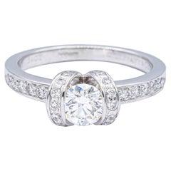 Tiffany & Co. Ribbon Platinum Diamond Engagement Ring 0.90 Ct TW Round Cut