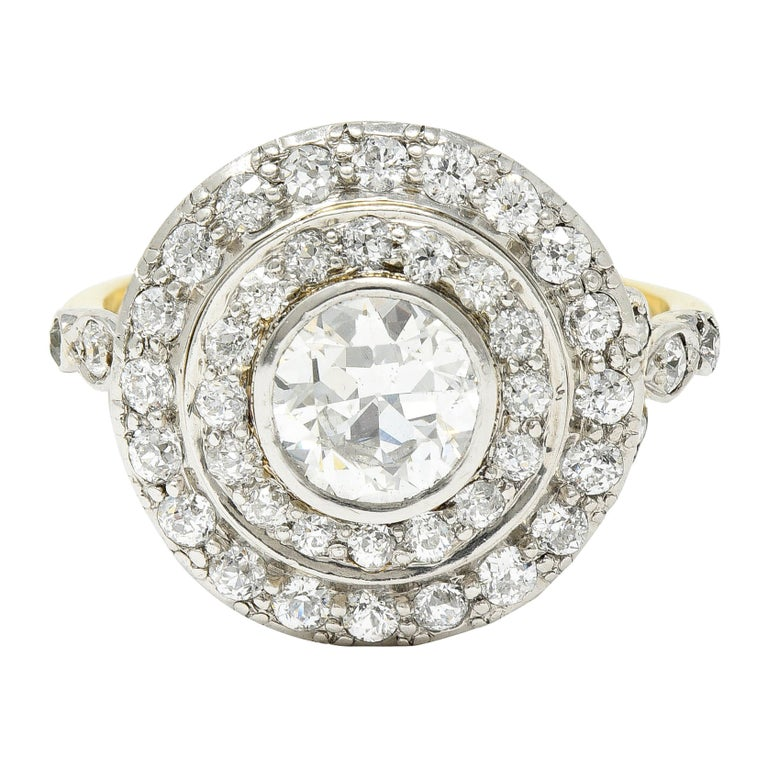 Art Deco 2.56 Carats Diamond Platinum-Topped 14 Karat Gold Cluster Ring GIA For Sale
