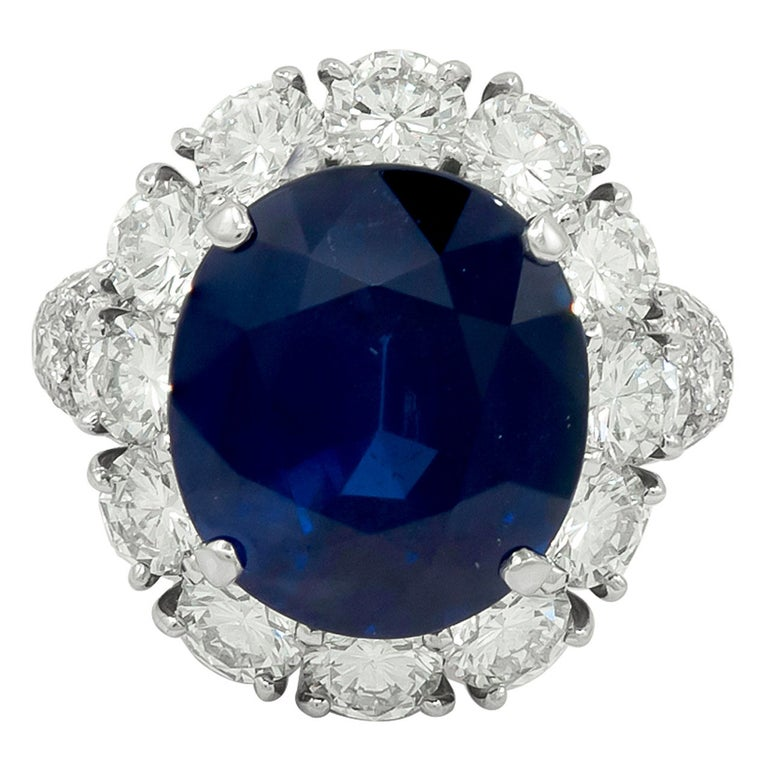 Van Cleef & Arpels Oval-Shaped Sapphire, Diamond Ring For Sale