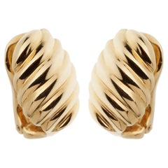 Van Cleef & Arpels Scalloped Yellow Gold Clip On Earrings