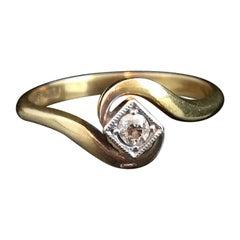 Vintage Art Deco Diamond Solitaire, Crossover, 18 Karat Yellow Gold