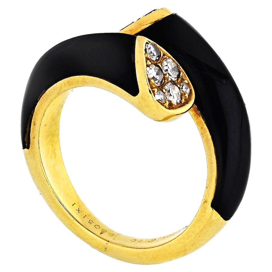 Van Cleef & Arpels Toi et Moi 18K Yellow Gold Diamond, Black Onyx Ring