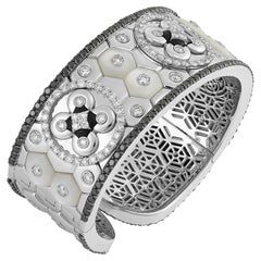 Bracelet in 18K White Gold with White and Black Diamonds, Mother of Pearl, Onyx