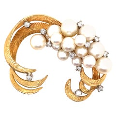 Retro Style Diamonds and Pearls Brooch 18k Yellow Gold