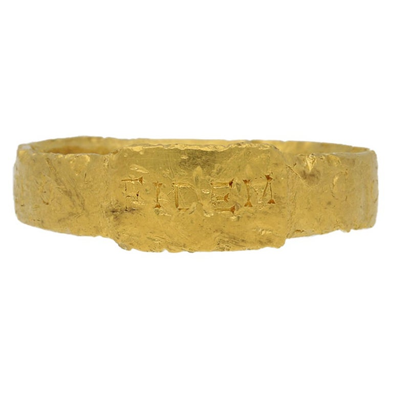 Ancient Roman Gold Ring, circa 306-337 AD For Sale