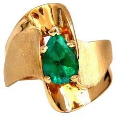 1.44 Carat Natural Pear-Shaped Emerald Vintage Satinshine Ring 14kt