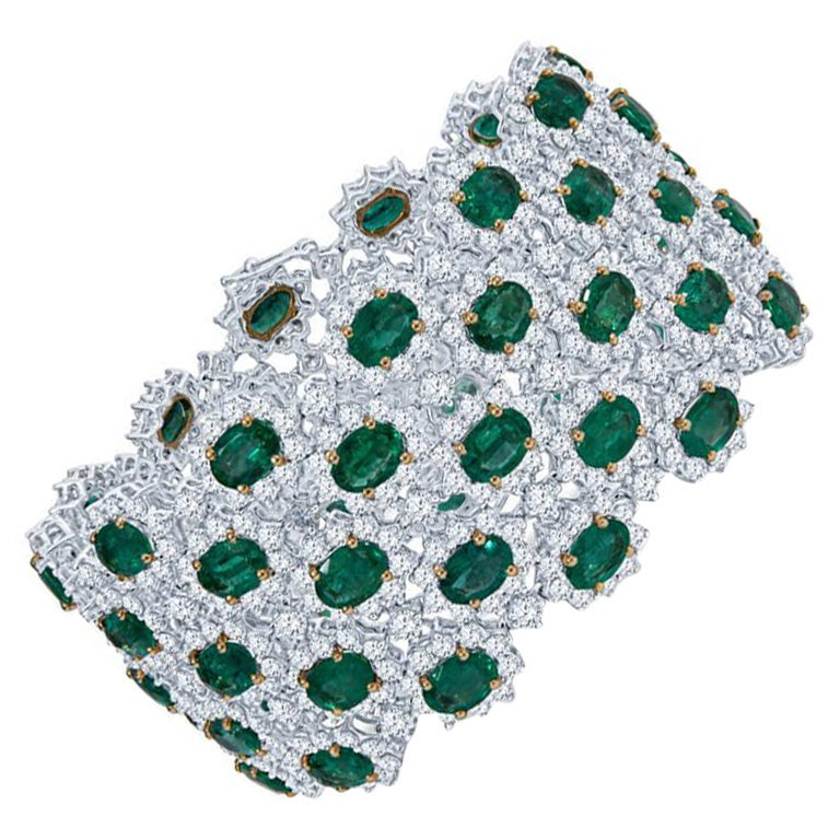 41.47 Carats Emerald and Diamond Bracelet in 18KT White Gold