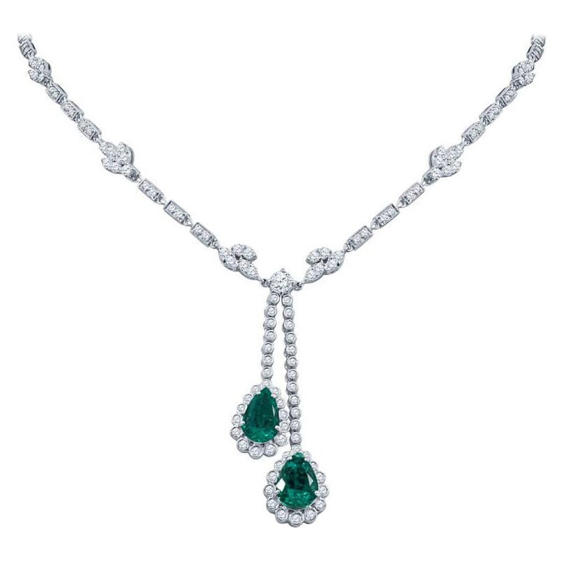 4.76 Carat Pear Shaped Emerald and Diamond Drop Necklace in 18KT White Gold