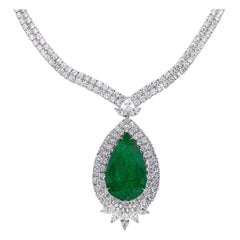 Important 27.15 Carat Pear Emerald Necklace Set with Diamonds 24.87 Carats Total