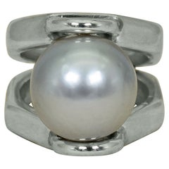 Dove Gray Pearl Sterling Silver Cocktail Ring