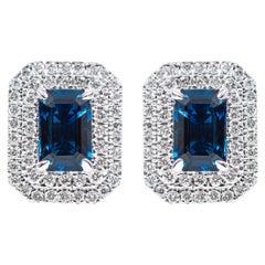 18 Karat Gold 1.41 Carat Sapphire and Diamond Double Cluster Stud Earrings