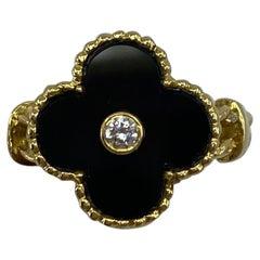 Vintage Van Cleef & Arpels Alhambra Onyx & Diamond Flower 18 Karat Gold Ring